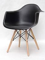 Кресло Leon Леон черный пластик с ножками из бука