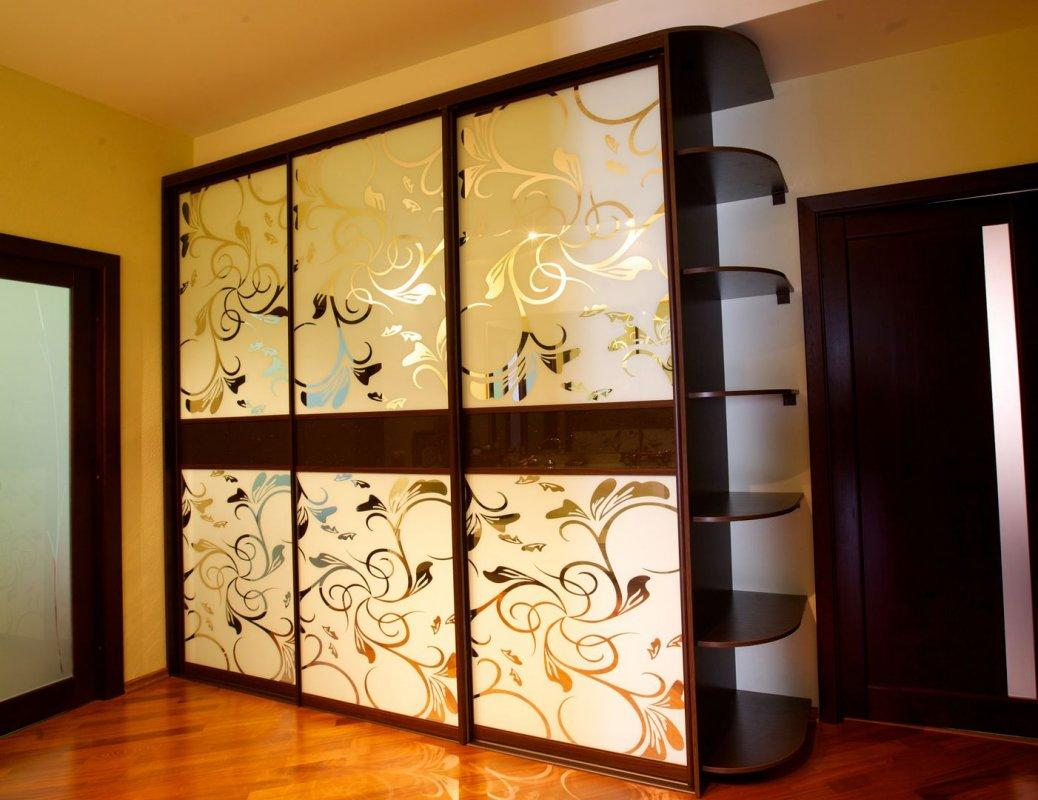 Двери в шкаф купе 3 двери пескоструйное напыление