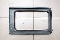 Рамка фары левая б/у 85-93 VW LT28-55 1975-1996 281853655G