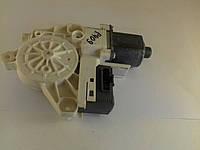 Моторчик стеклоподъемника задний (R) Пежо 407 0130822200 Б/У