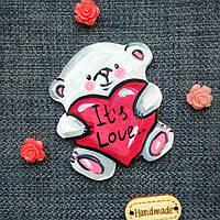 Магнит Мишка с сердечком . Ручная роспись акриловыми красками.