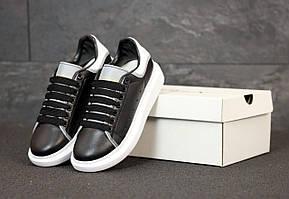 Черные кроссовки Маквин