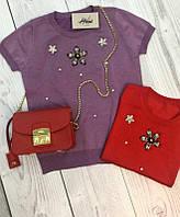 Модная трикотажная футболка с камнями и жемчугом