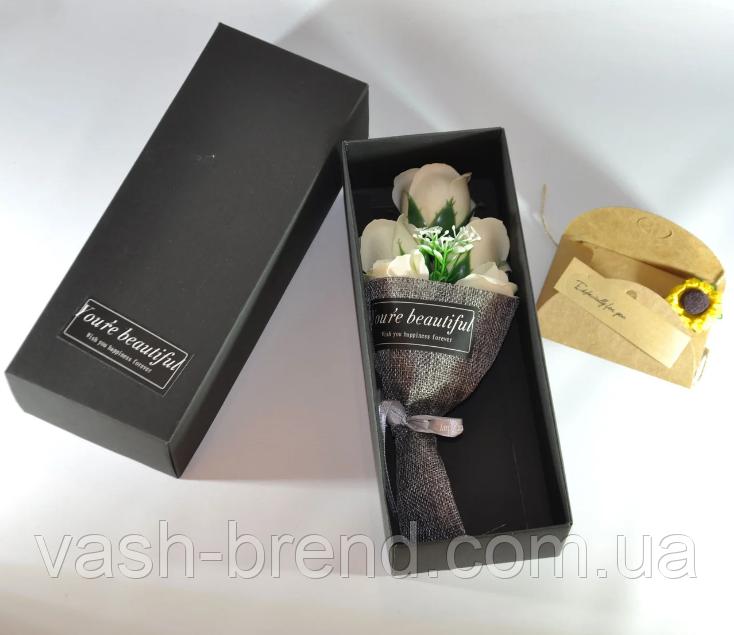 Подарочный букет молочно-белых роз ручной работы из мыла