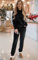 Велюровый женский спортивный костюм с капюшоном черный