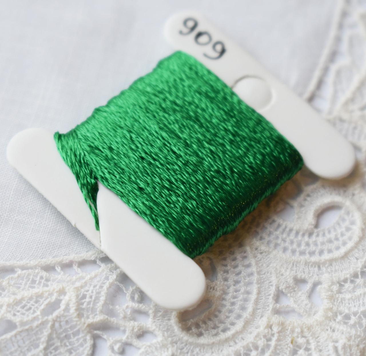 Мулине имитация шелка, 4м, 6 сложений, сочная зелень