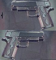 Форма для шоколада пластиковая  А1 - 007 Пистолет  3D  (размер формы 180*230мм) ( с левой)
