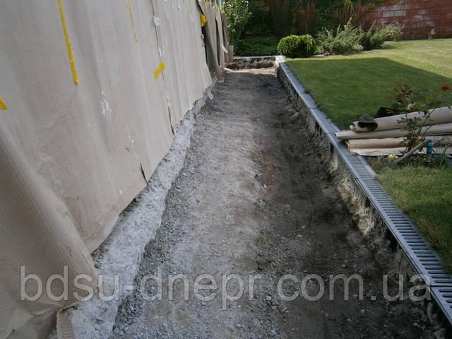 Снятие бетонной отмостки