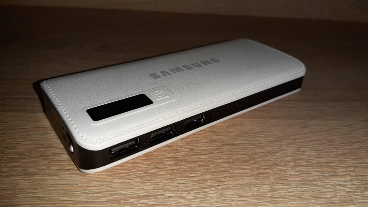 Power bank Samsung 60000 mAh 2USB+LED фонарь Портативная зарядка Внешний аккумулятор Белый