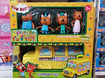 """Ігровий набір """"Три кота. Автобус для пікніка"""" з меблями."""