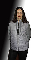 Серая комбинированная короткая куртка