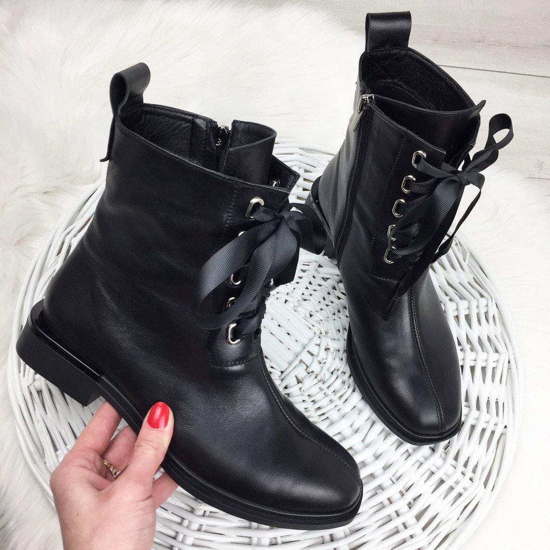 Женские демисезонные ботинки в черном цвете, из натуральной кожи  ( под заказ)