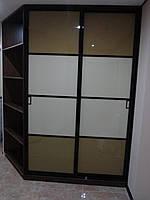 Шкаф - купе угловой с глянцевым стеклом