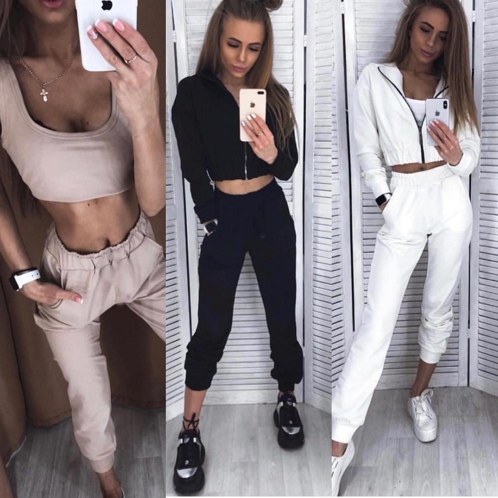 Костюм тройка женский спортивный, короткий топ, брюки и укороченная кофта на молнии с капюшоном, модный, до 46