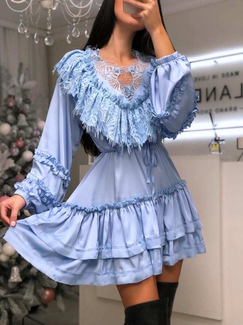 Шикарное женское голубое платье из шелка,декорировано французским кружевом