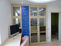 Шкаф-купе с зеркальными фасадами, фото 1