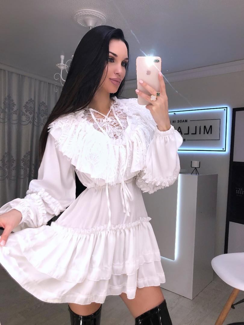 Женское шелковое белое платье ,декорировано французским кружевом