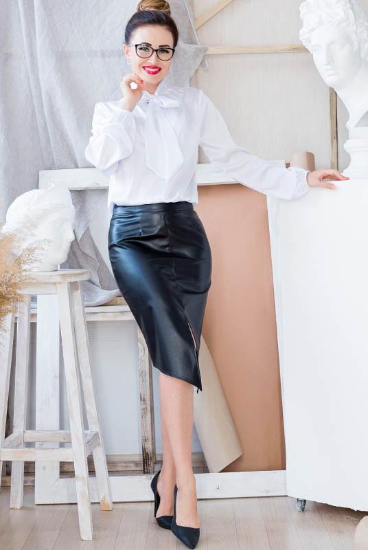 Стильная юбка из эко кожи