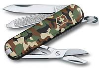 Армейский карманный складной нож Victorinox Classic Sd 06223.94 камуфляжный
