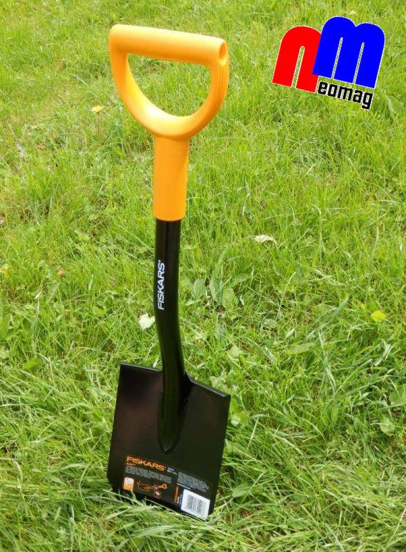 Лопата Fiskars Solid  (саперка), Гарантия 5 лет, ПОЛЬША