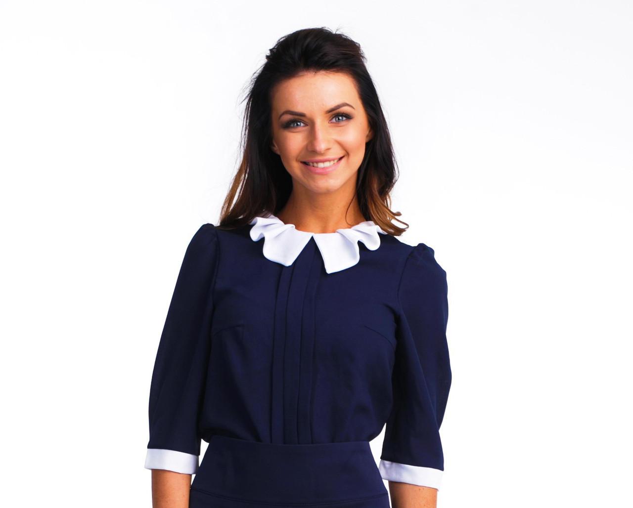 Офісна синя блуза з білим коміром