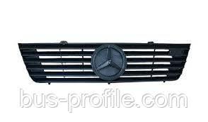Решётка радиатора на MB Sprinter CDI 2000-2003 — Rotweiss (Турция) — 9018800085