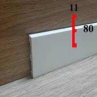 Прямоугольный напольный плинтус из полиуретана грунтованный под покраску 11х80, длина 2,44