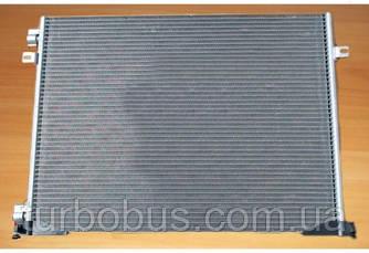 Радиатор кондиционера на Рено Трафик 06-> 2.0dCi — Valeo (Франция) - 814172