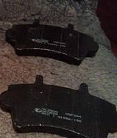 Тормозные колодки передние на Рено Мастер II 98-> LPR (Италия) 05P884