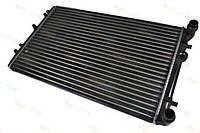 Радиатор охлаждения двигателя на Рено Кенго 1.9D (97>) 1.5 dci (2001-2002) (478X439X42) THERMOTECH - D7R002TT