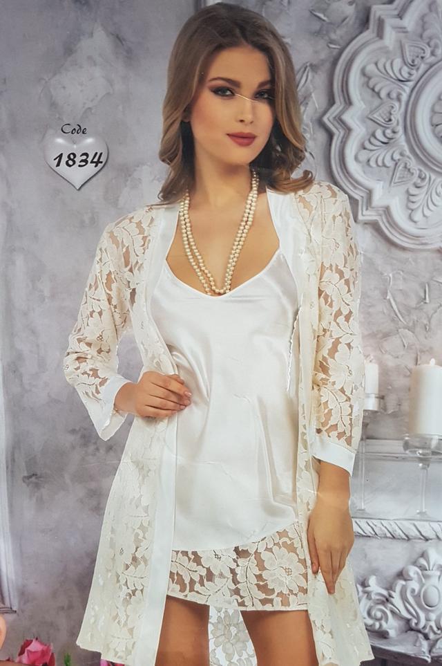 фотография женский кружевной халатик с ночной атласной рубашкой