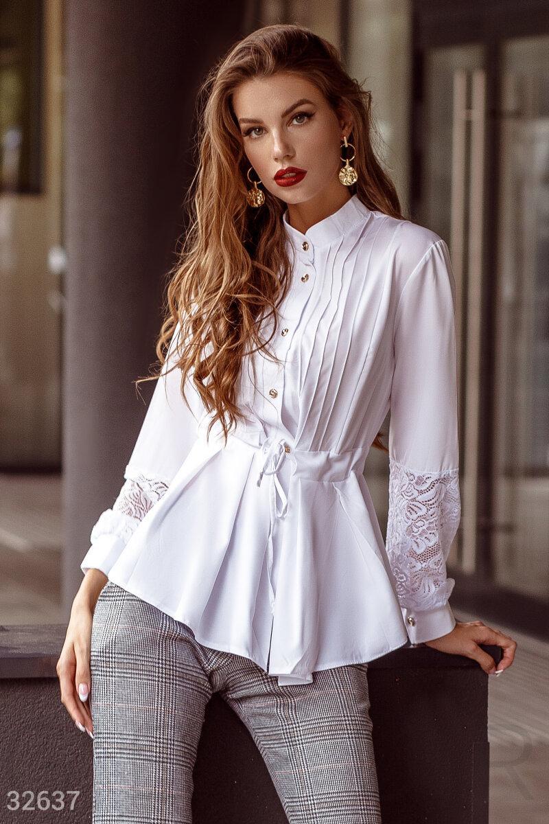 Женская нарядная блуза расклешенного кроя