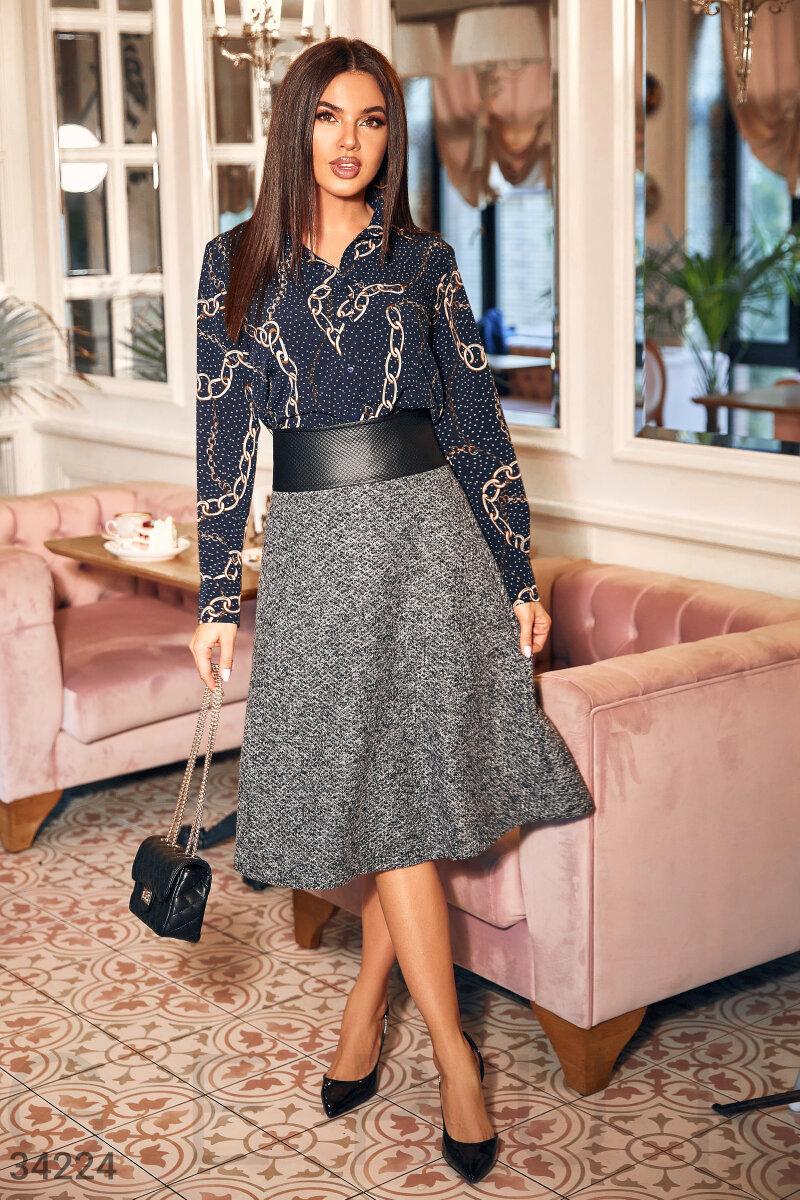 Расклешенная юбка-миди в деловом стиле с поясом из экокожи