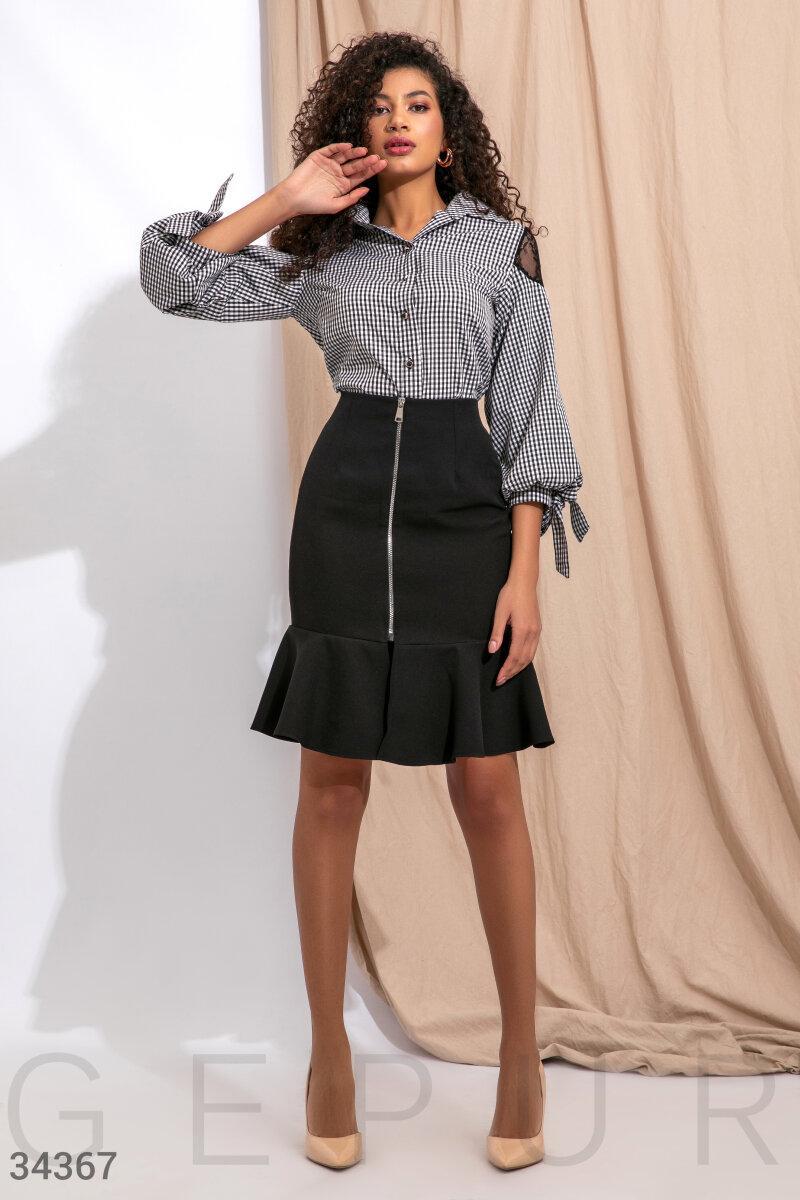 Женская облегающая юбка с воланом
