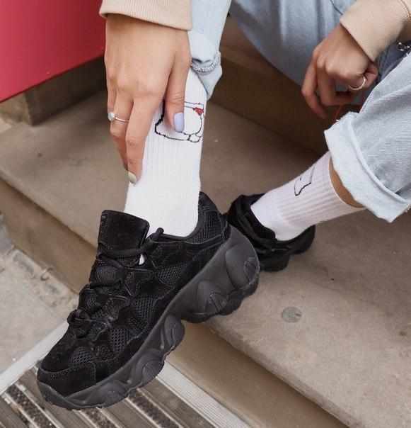 Черные замшевые женские кроссовки Fila