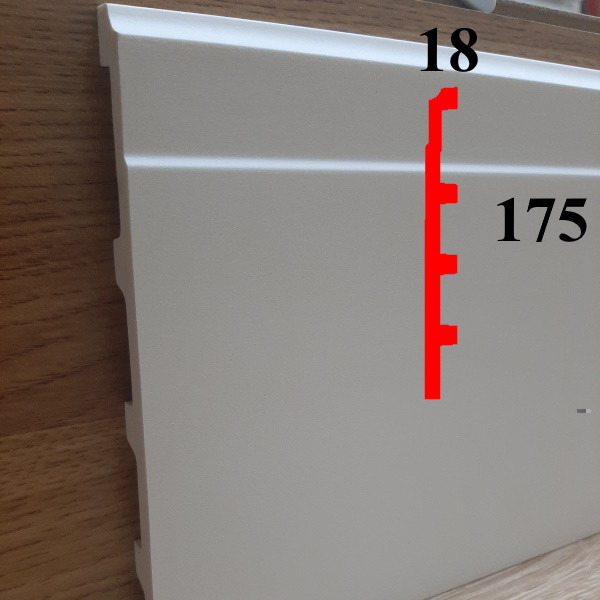 Интерьерный напольный плинтус грунтованный под покраску 18х175, длина 2,44