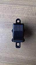 Кнопка стеклоподъемника Mazda 626 ,Premacy(права)