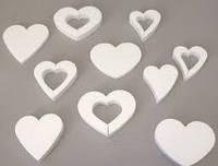 Резаное сердце из пенопласта.
