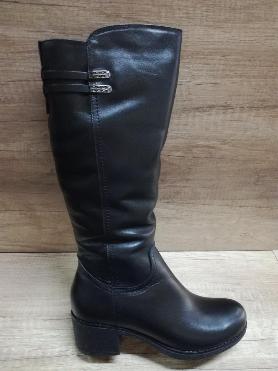 Зимние сапоги из натуральной кожи на небольшом каблуке Romax 5345