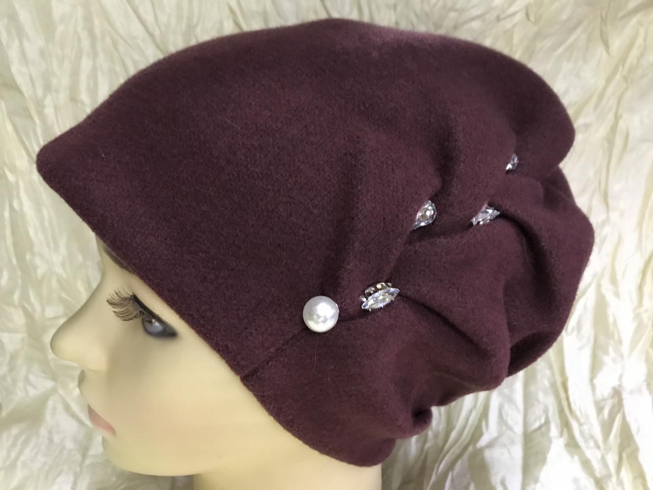 Зимова кашемірова бордова шапка з об'ємним плетінням