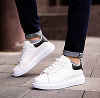 Кросівки чоловічі з масивною підошвою, білі з чорною вставкою