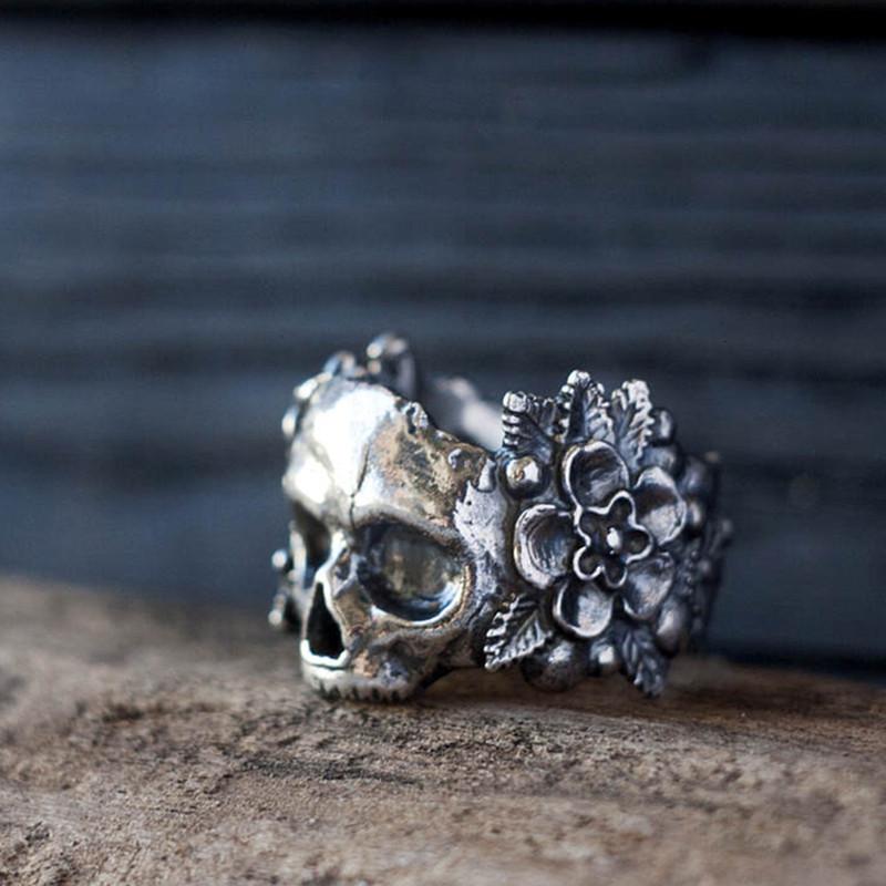 Кольцо серебряное Череп с Цветами КЦ-85 Б