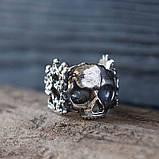 Кольцо серебряное Череп с Цветами КЦ-85 Б, фото 3
