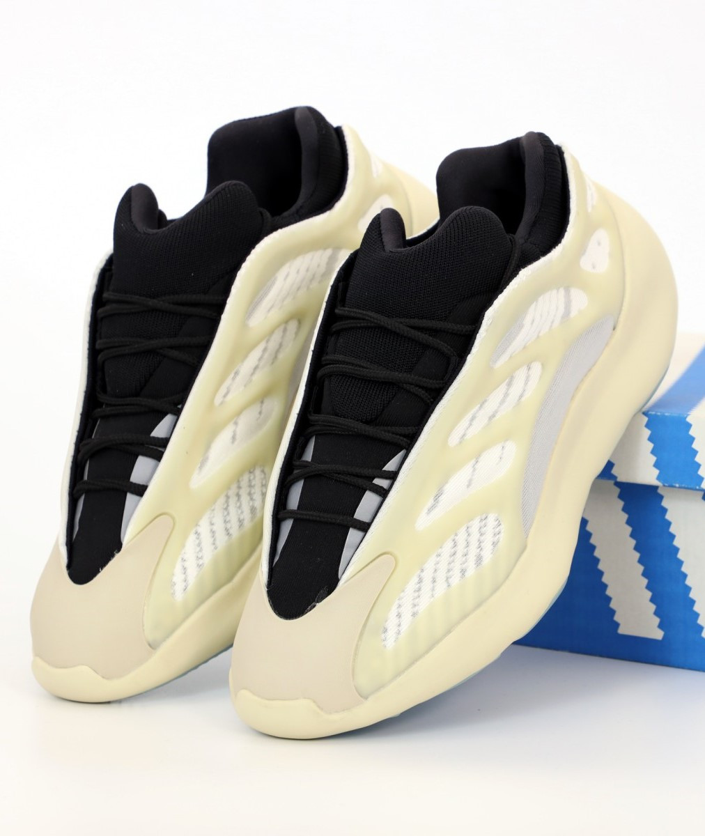 Мужские кроссовки ADIDAS YEEZY 700 V3 AZAEL White (Изи белые)