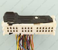 Разъем автомобильный 28-pin/контактный. 73×21 mm. Б.У. 12097