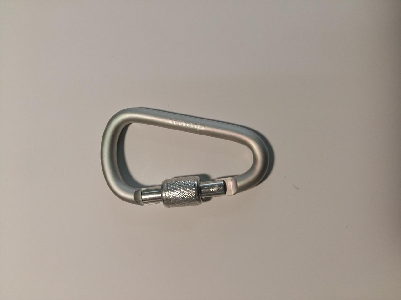 Карабін Tramp алюмінієвий, розмір 6 см, з муфтою, білий металік арт.TRA-007