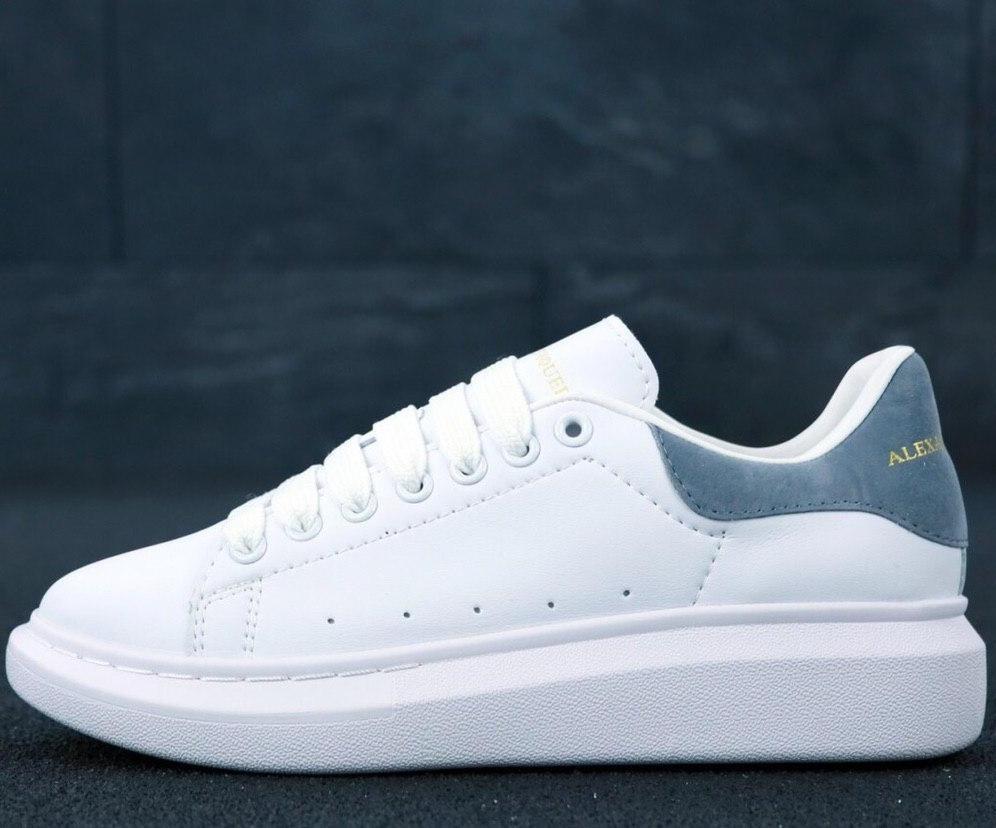 Кроссовки женские Alexander McQueen белые, серая пятка (Top replic)