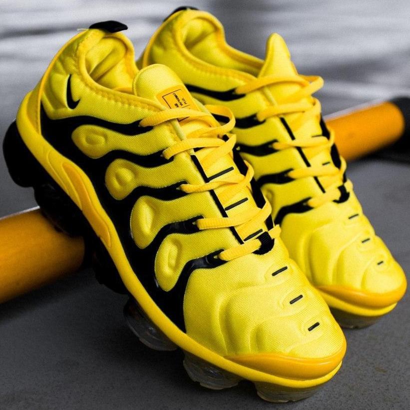 Кроссовки мужские Nike Air VaporMax Plus желтые (Top replic)