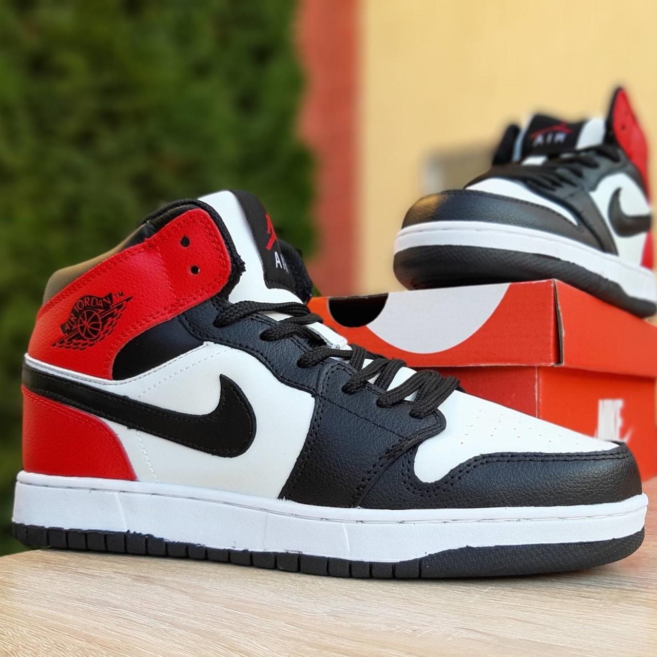 Кроссовки мужские Nike Air Jordan 1 Retro белые с чёрным и красным (Top replic)