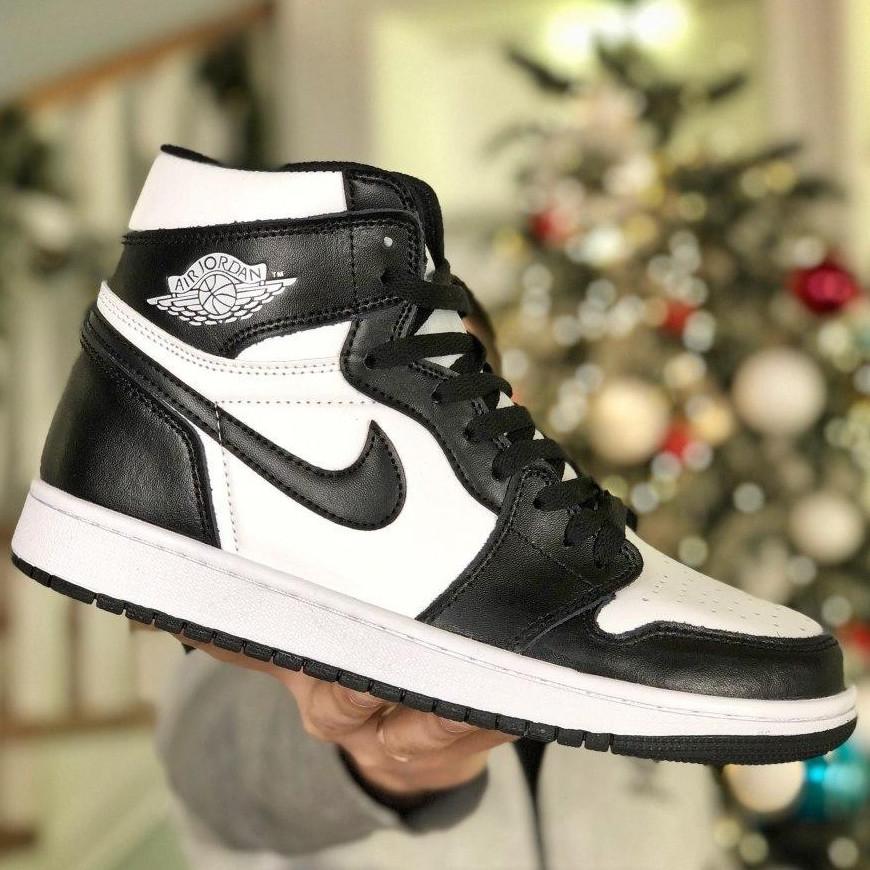 Кросівки чоловічі Nike Air Jordan 1 Retro білі-чорні (Top replic)